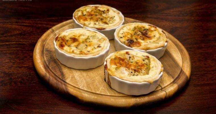 Mini Quiche z gorgonzolą i gruszką